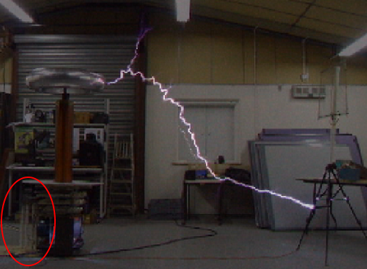 Tesla coil capacitor 10 foot strike